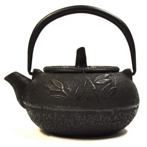 Cast Iron Teapot - Leaf Pattern